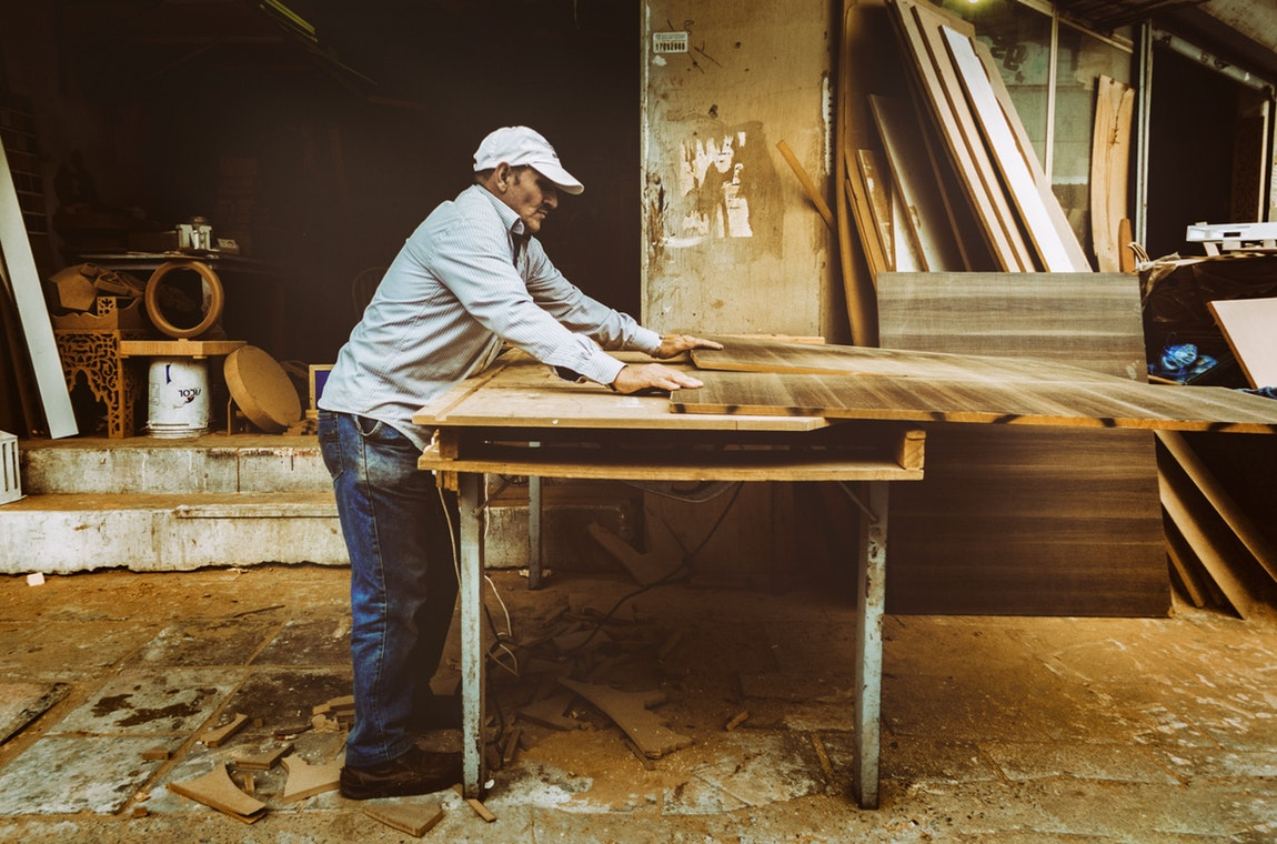 Working With Wood – A Comprehensive Guide For Beginners